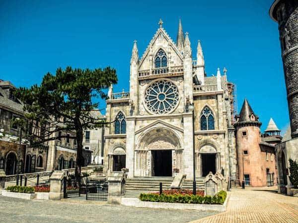 nhà thờ kiến trúc pháp