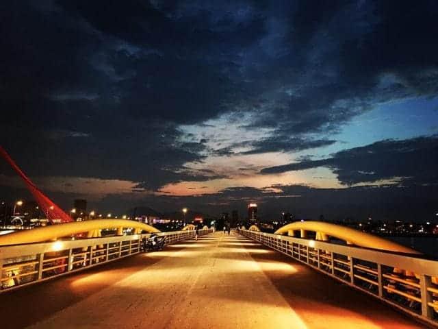 Cầu đi bộ Nguyễn Văn Trỗi