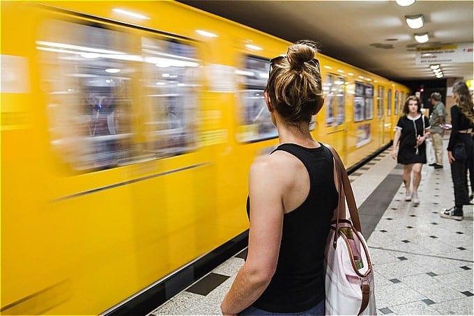 lên đúng tàu điện ngầm