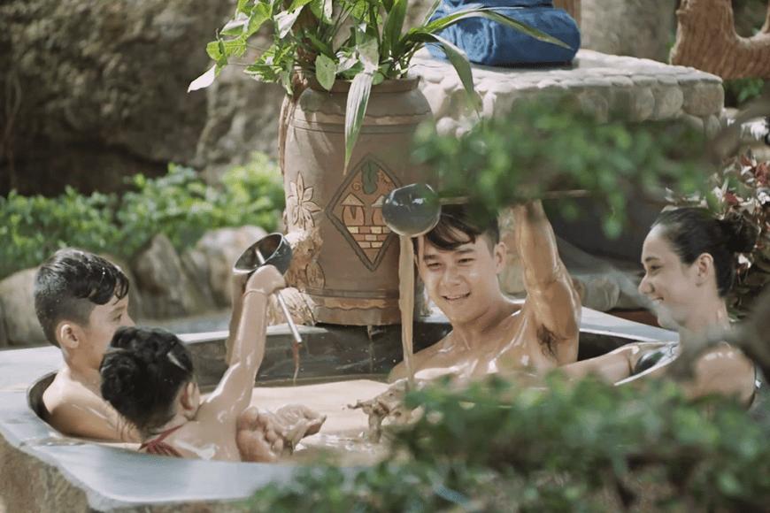 tắm khoáng tại núi thần tài