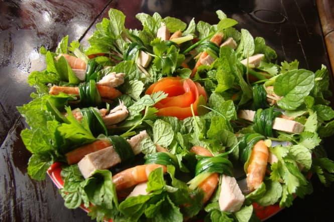 Tôm thịt ăn cùng rau