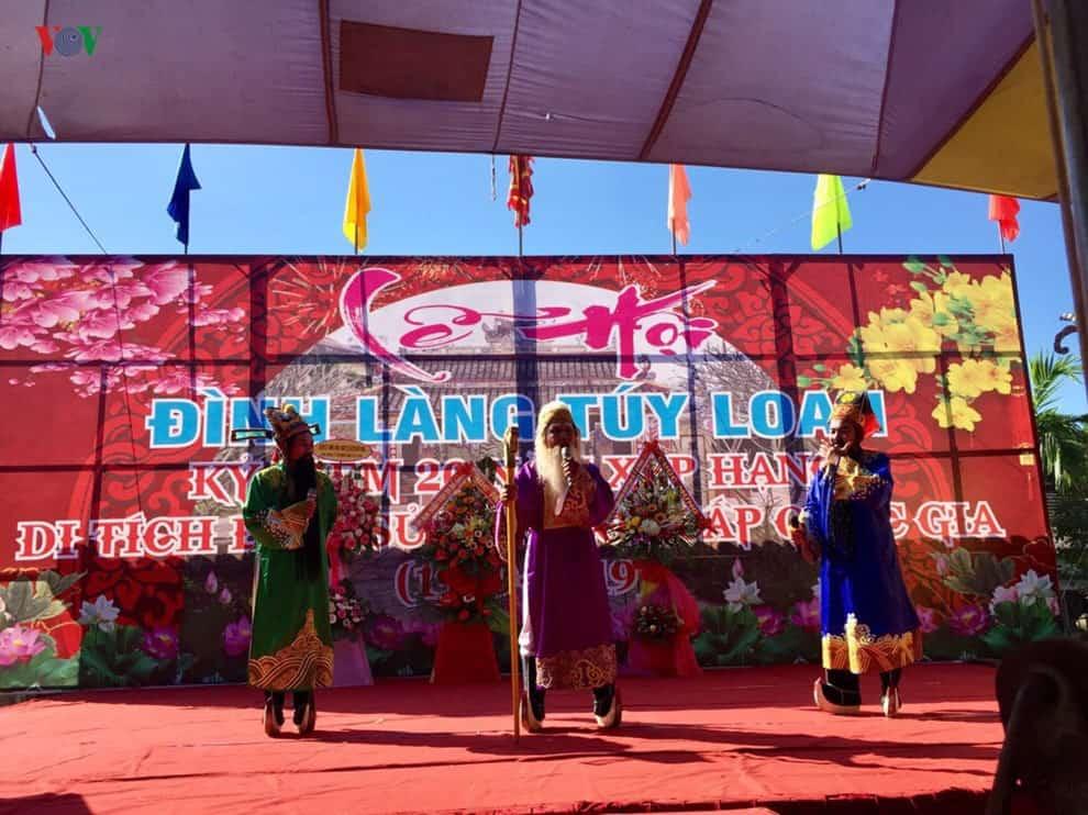 Lễ hội Làng cổ Túy Loan