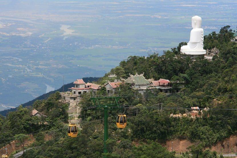 Toàn cảnh chùa linh ứng