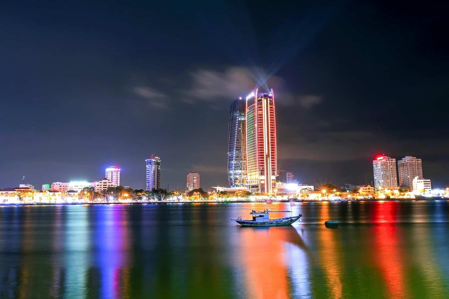 cau song han da nang 3 min 1 - Review Cầu Sông Hàn Đà Nẵng: Thời Gian Quay, Cách Đi Đến