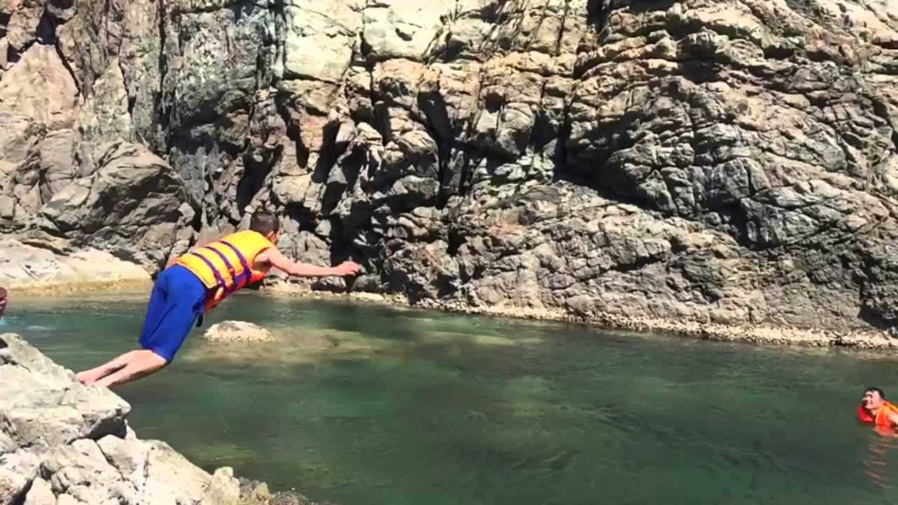 Mang ao phao khi bơi