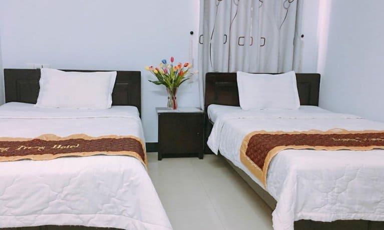Khách sạn Hoàng Trọng