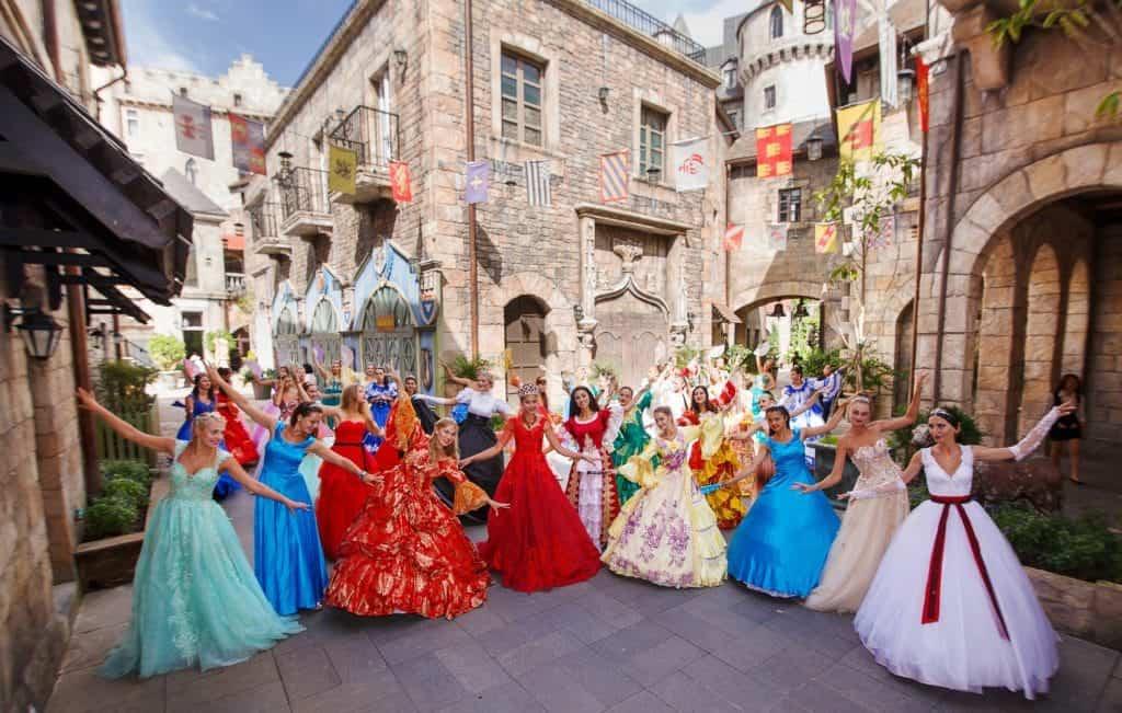 Lễ hội nhảy múa vui vẻ