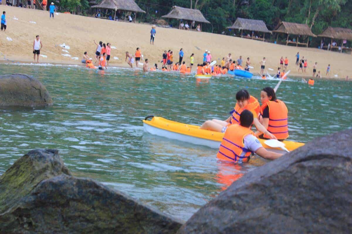 Bơi lội Bãi Cát Vàng Đà Nẵng