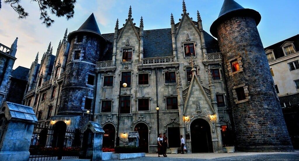 Khách sạn Mercue